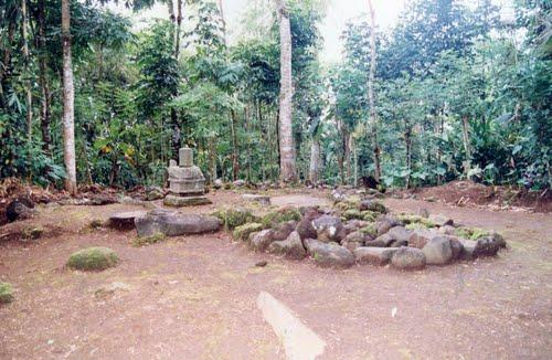 Situs Lingga Yoni Tasikmalaya