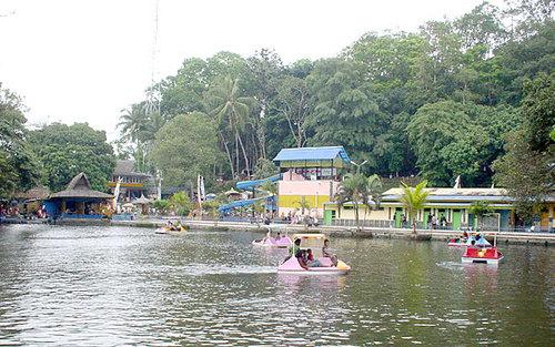 Sepeda Air Obyek Wisata Mangkubumi